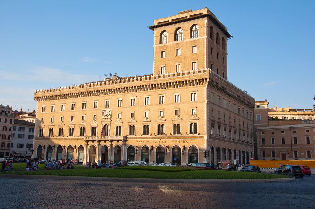 Palazzo venezia turismo roma viamichelin for Oficina turismo roma