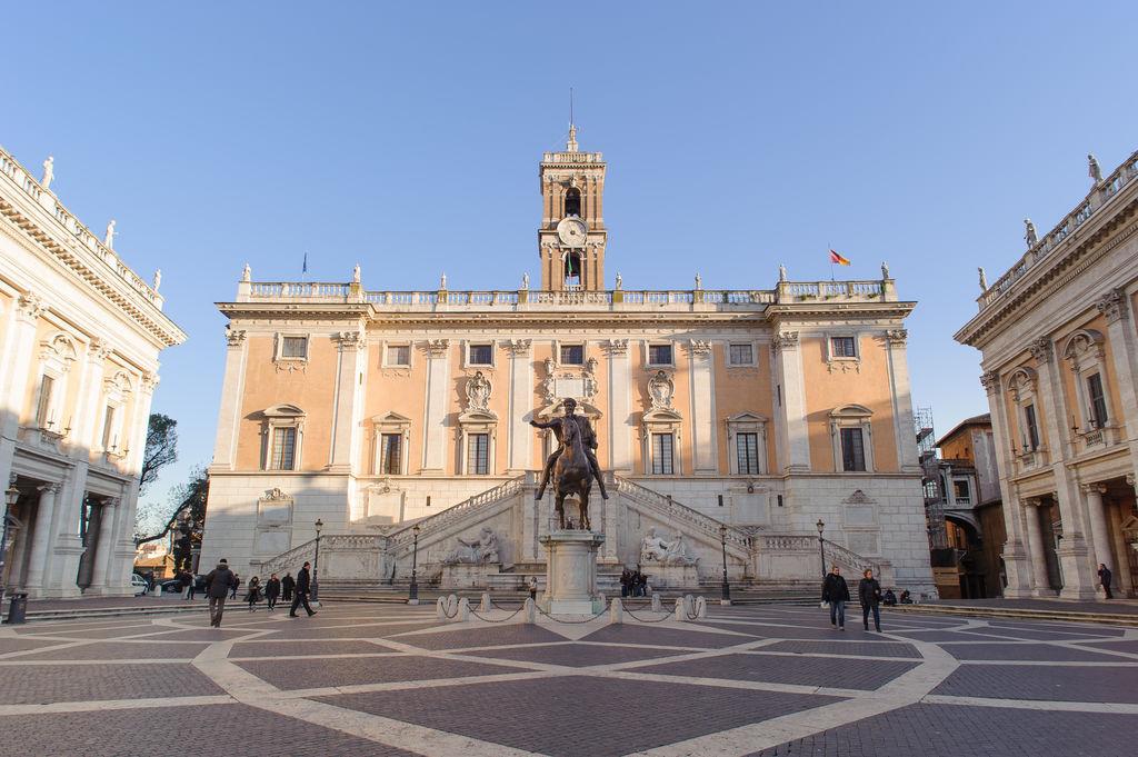 Palazzo senatorio turismo roma viamichelin for Oficina turismo roma