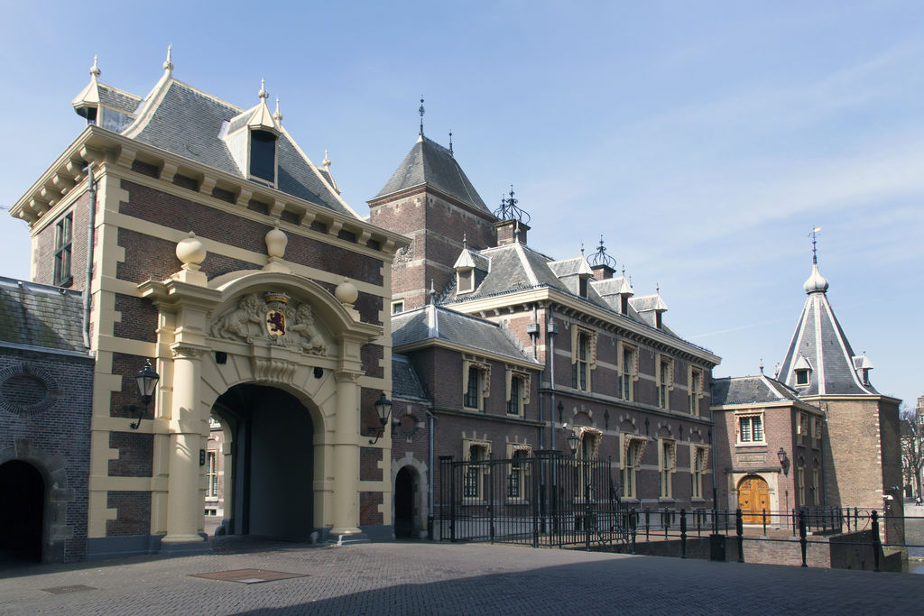binnenhof - the hague tourism