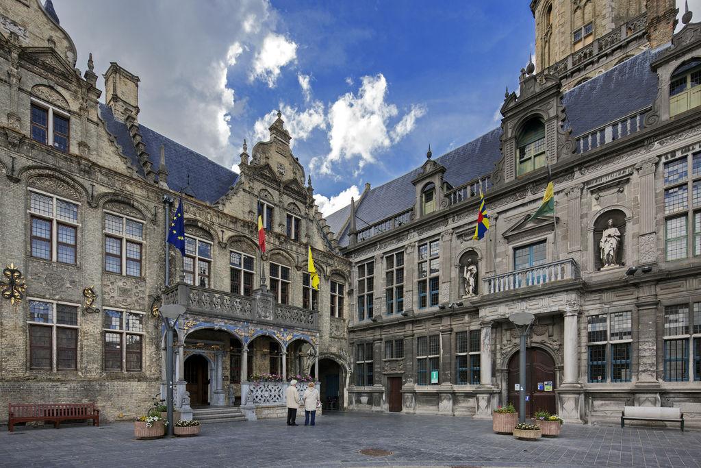 H tel de ville de furnes stadhuis tourisme veurne viamichelin - Office de tourisme cordoue ...