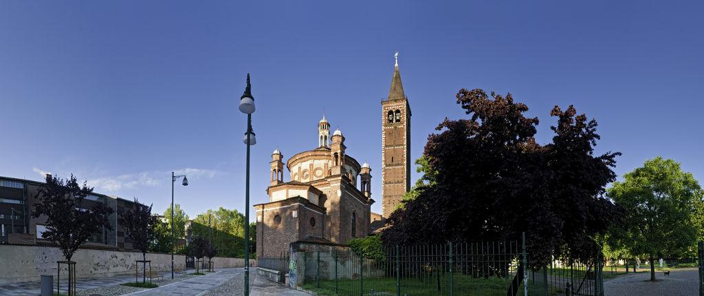Basilique de sant 39 eustorgio tourisme milan viamichelin for Piazza sant eustorgio