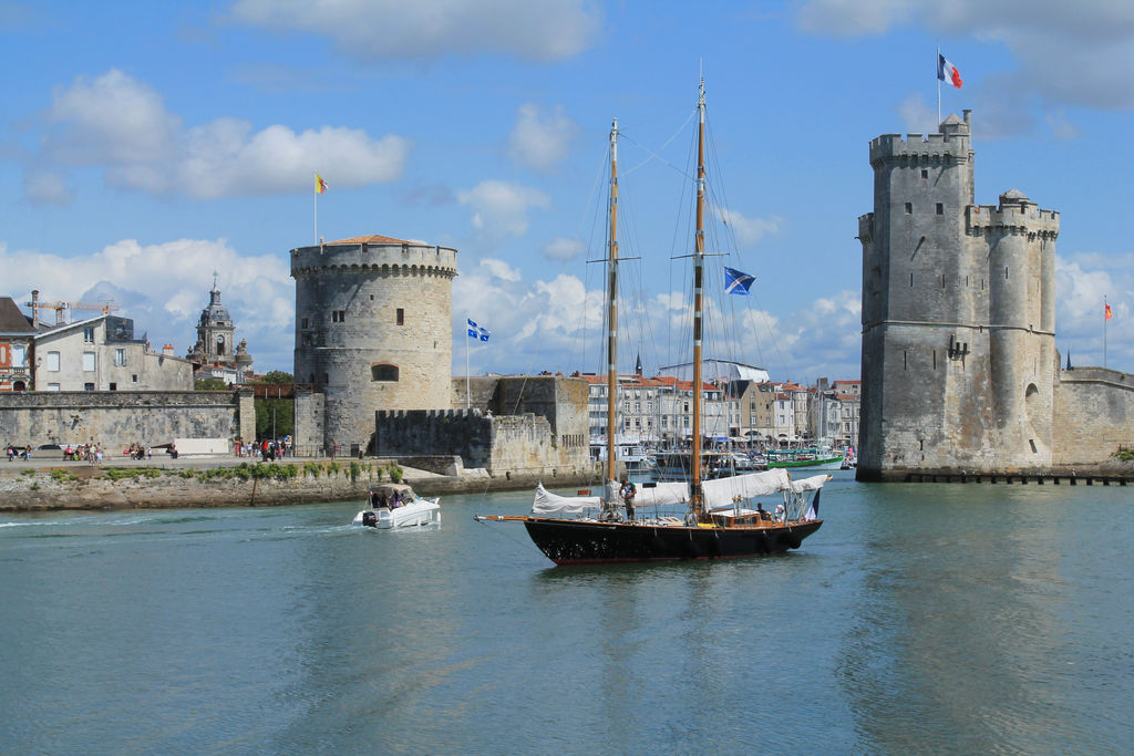 vieux port de la rochelle tourisme la rochelle viamichelin. Black Bedroom Furniture Sets. Home Design Ideas