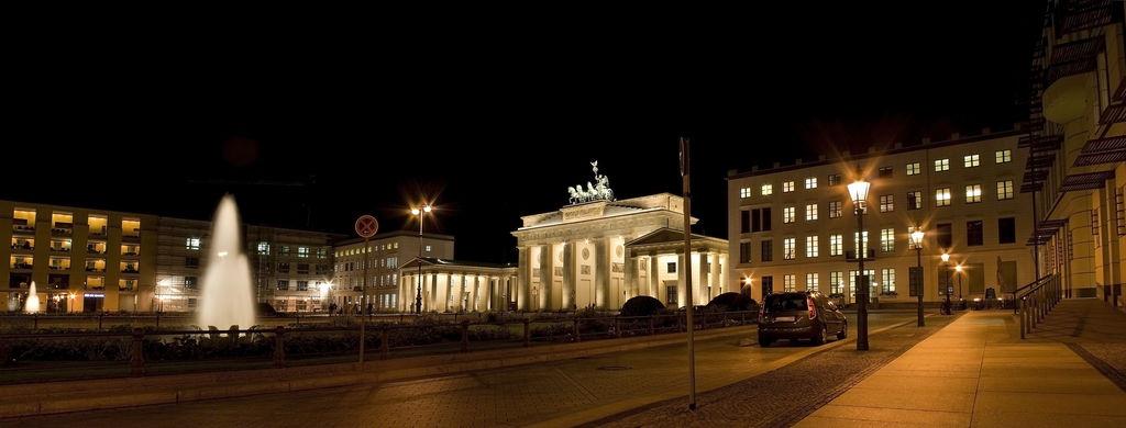 Puerta de brandeburgo turismo berl n viamichelin for Hoteles en la puerta