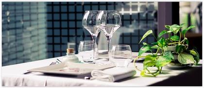 la table de st phane agde restaurant uit de michelin gids. Black Bedroom Furniture Sets. Home Design Ideas
