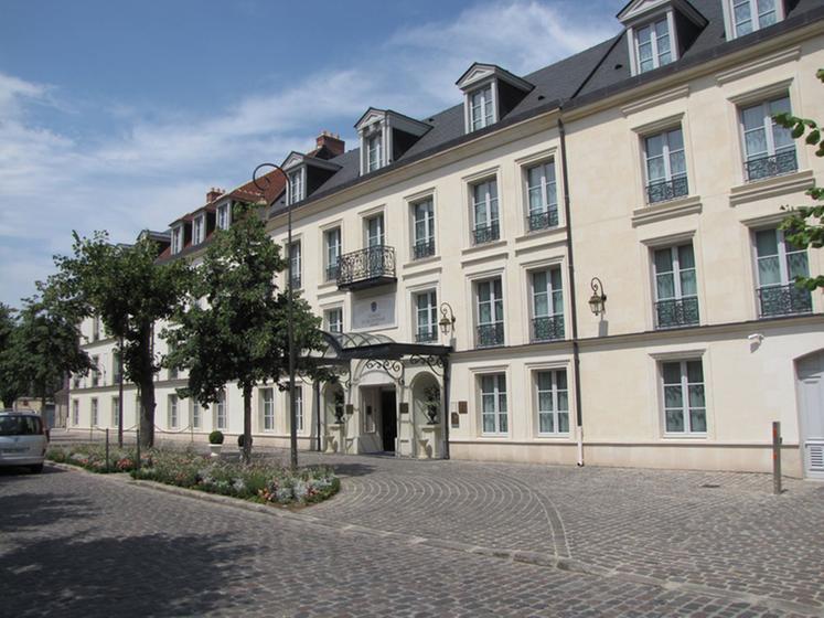 La Table Du Conn Table Chantilly Restaurant Uit De Michelin Gids