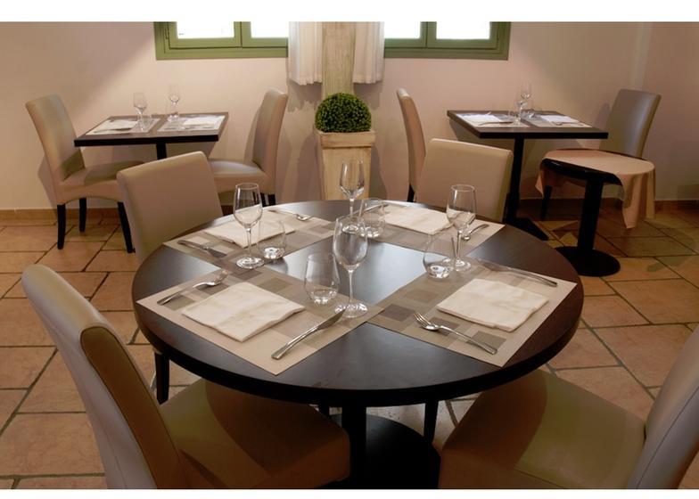 La table du ch teau l zignan corbi res a michelin - La table marseillaise chateau gombert ...
