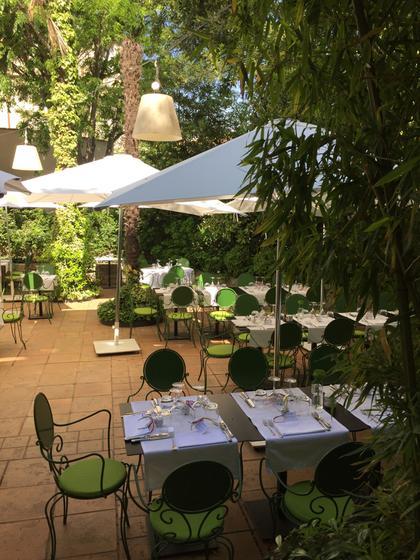 Le petit jardin montpellier a michelin guide restaurant - Petit jardin montpellier creteil ...