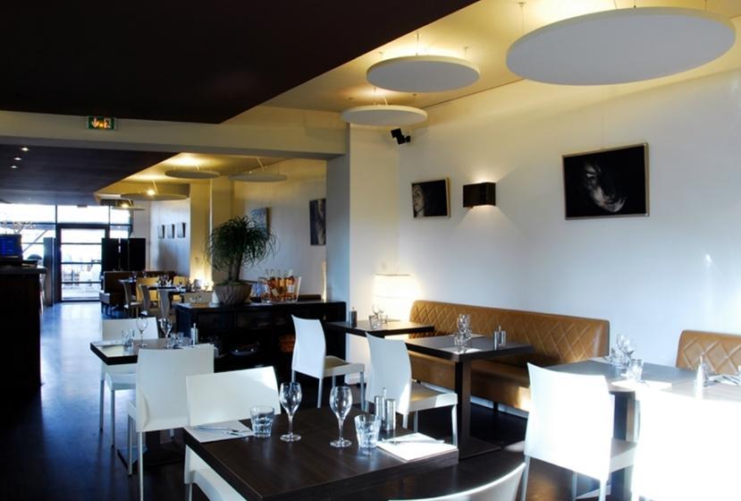 le cinq restaurant 5 boulevard des arceaux 34000. Black Bedroom Furniture Sets. Home Design Ideas