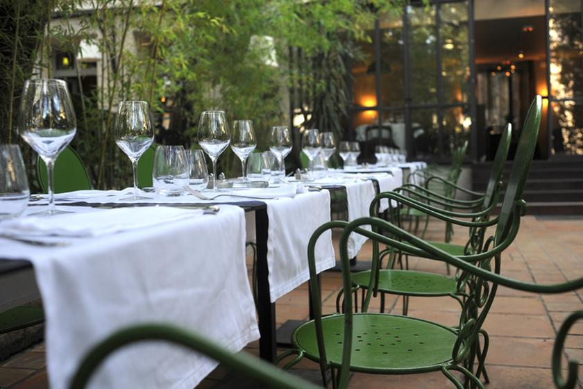 le petit jardin montpellier a michelin guide restaurant. Black Bedroom Furniture Sets. Home Design Ideas