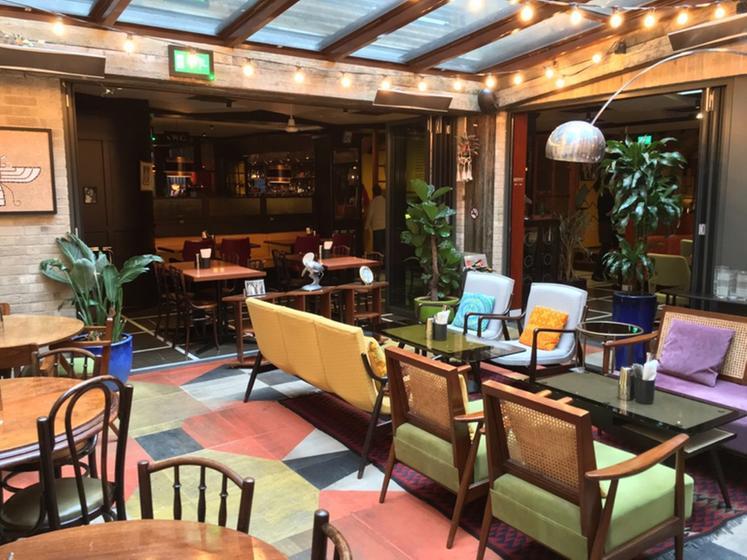 Dishoom londres un restaurant du guide michelin for Cafe du jardin covent garden