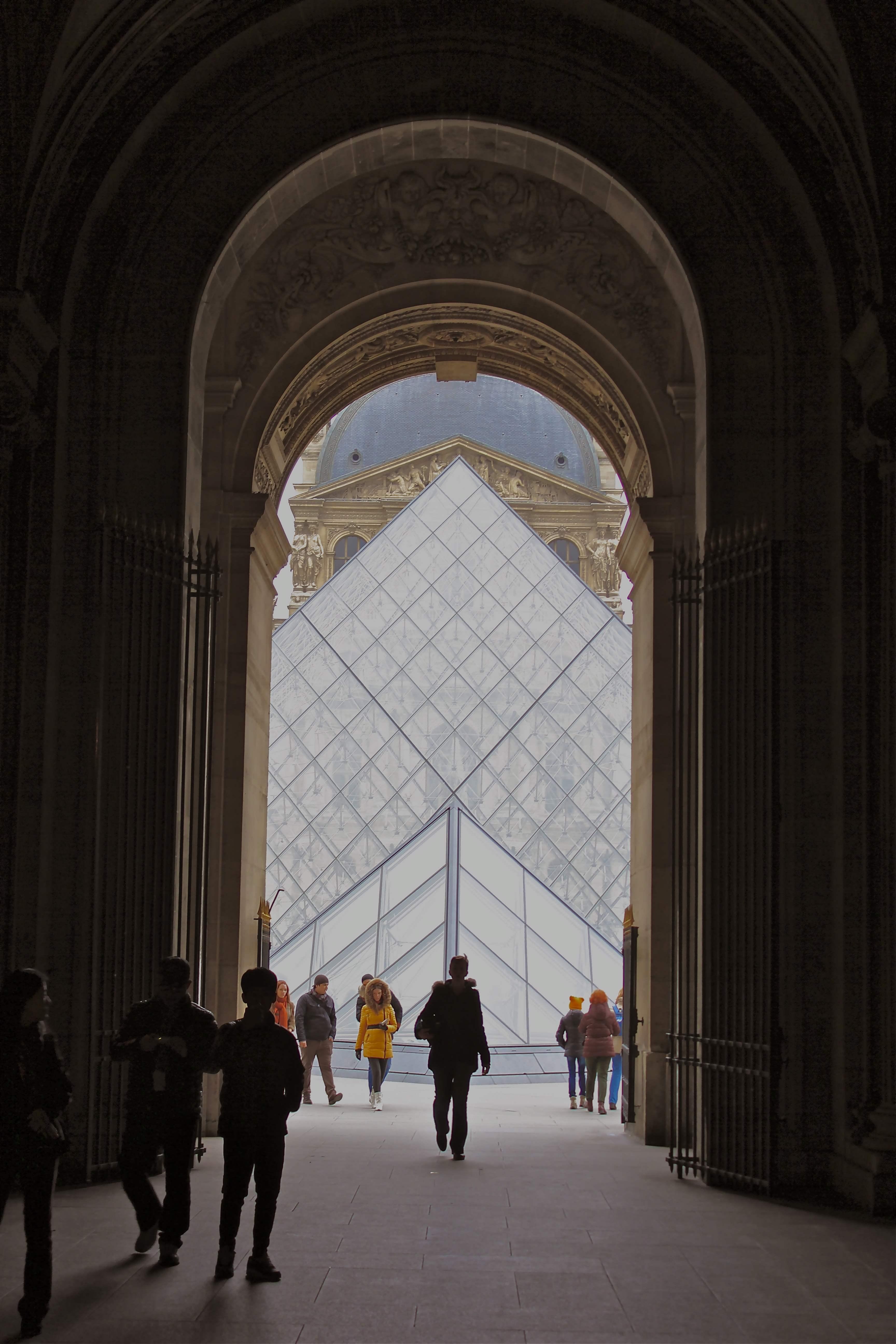 Cortile quadrato del louvre turismo parigi viamichelin for Costo del padiglione per piede quadrato