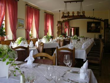 restaurants in 76835 burrweiler michelin restaurants und andere restaurants. Black Bedroom Furniture Sets. Home Design Ideas