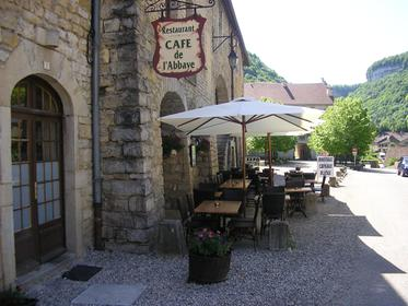 Restaurant Le Grand Jardin Baumes Les Messieurs