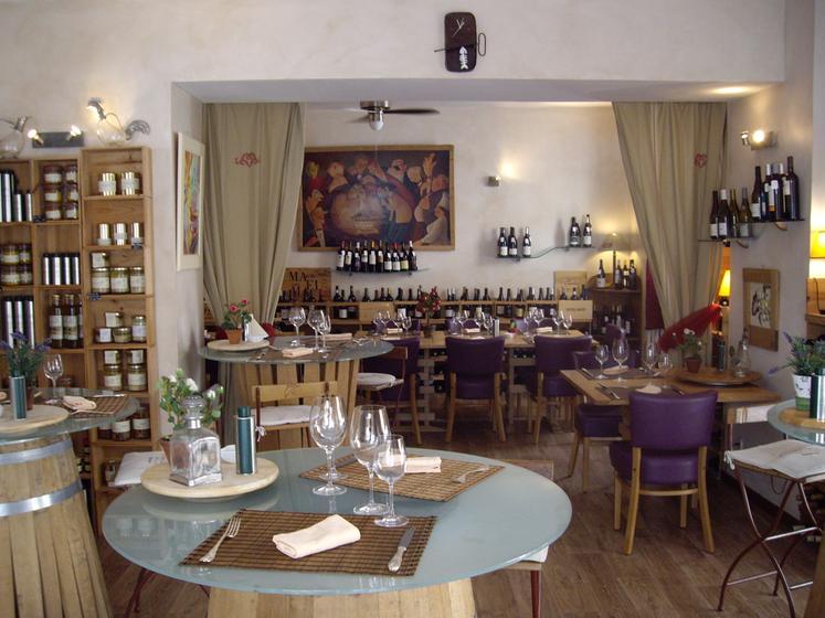 La table des cuisiniers cavistes un restaurant du guide - A la table du marche narbonne ...