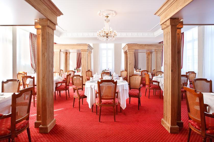le saint lazare restaurant traditionnel classique. Black Bedroom Furniture Sets. Home Design Ideas