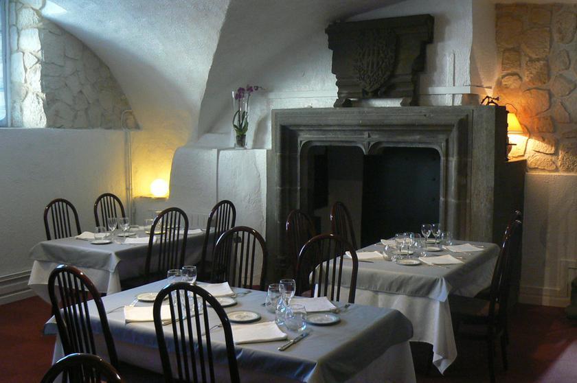le duguesclin restaurant gastronomique 63100 clermont ferrand michelin restaurants. Black Bedroom Furniture Sets. Home Design Ideas