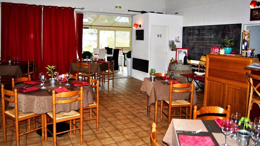 St Genis De Saintonge Restaurant